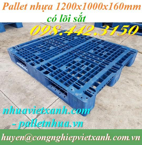 Pallet nhựa 1200x1000x160mm lõi thép màu xanh