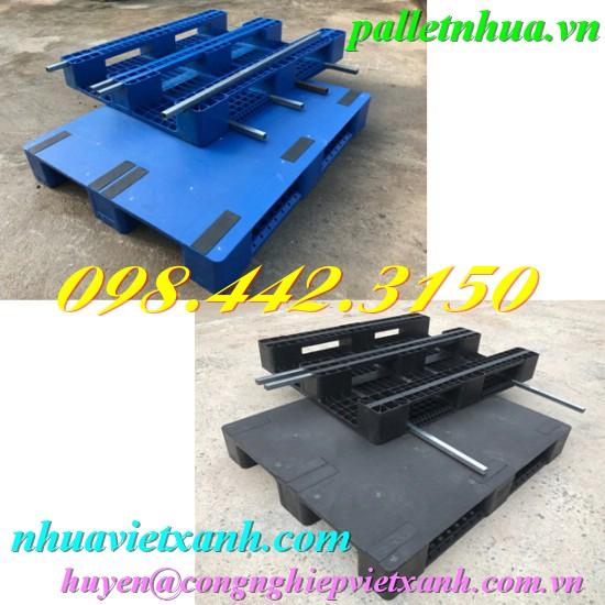Pallet nhựa 1200x1000x150mm mặt liền có lõi sắt
