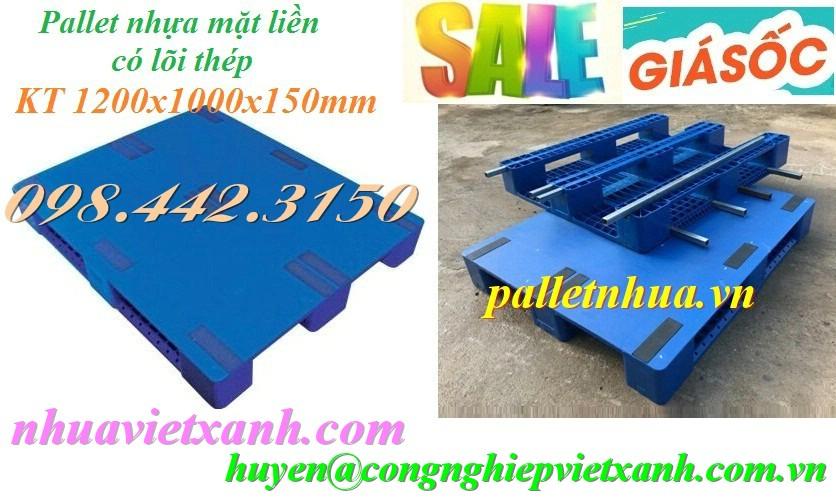 Pallet nhựa mặt liền 1200x1000x150mm có lõi sắt màu xanh