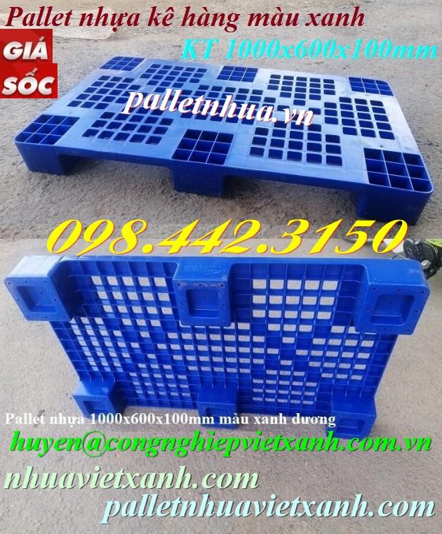 Pallet nhựa 1000x600x100mm màu xanh dương