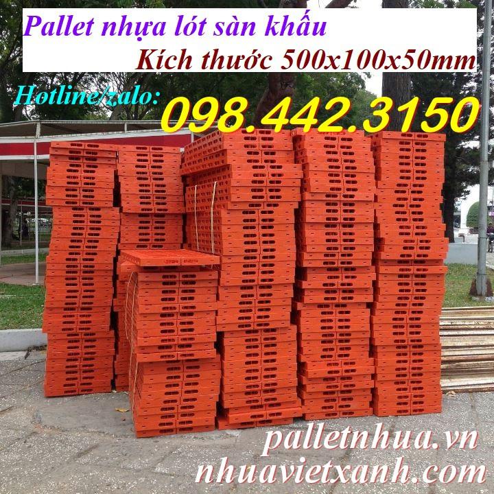 Pallet nhựa lót sân khấu 500x1000x50mm