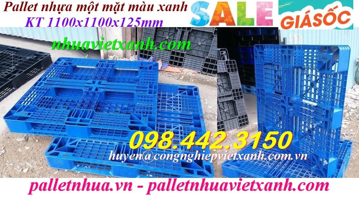 Pallet nhựa 1100x1100x125mm màu xanh giá rẻ